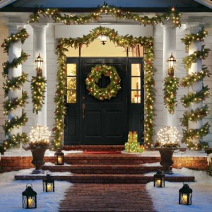 Christmas-Wreath-Pre-Lit-Christmas-Wreath-300x300