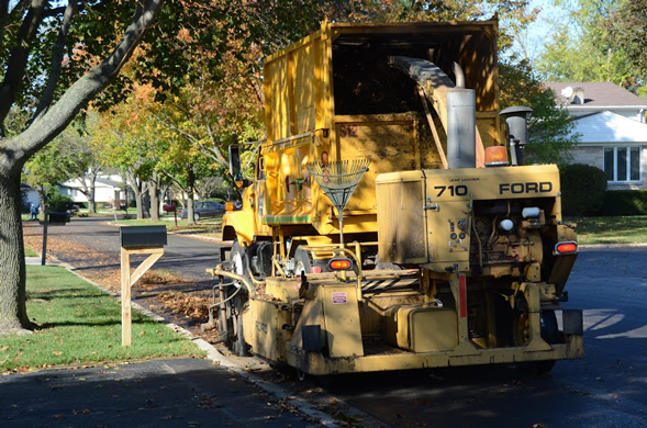 Leaf-Pickup-Sweeper-538