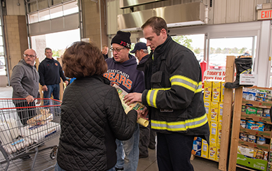 Costco Mount Prospect >> Fire Department To Host Food Drive At Costco News